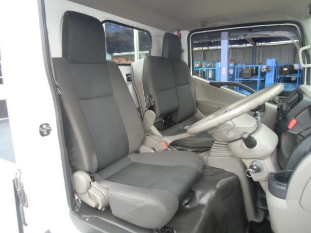 運転席側シートの画像です。