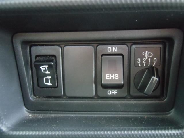 イージーヒルスタート(坂道発進補助装置)装備しています。助手席側ドアミラー電動格納式です。