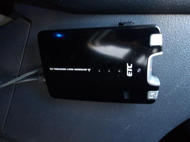 ETC付です!高速道路の料金所もスムーズに通過できます。さらにETC搭載車しか通過できないスマートICが利用できるようになります。