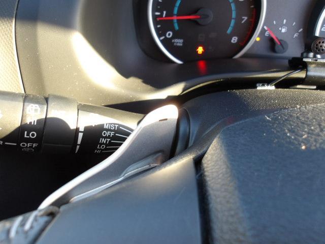 ステアリングホイール左右のスイッチ操作で、マニュアル車感覚のシフトチェンジが愉しめます。