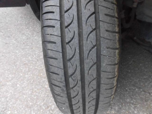 タイヤの溝もしっかりと残っています!