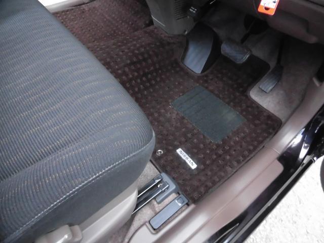 純正フロアマットは車内の雰囲気にピッタリです!