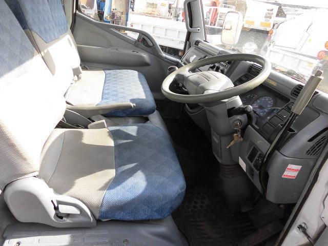 三菱ふそう キャンター 4WD 2t ショート セーフティーローダー