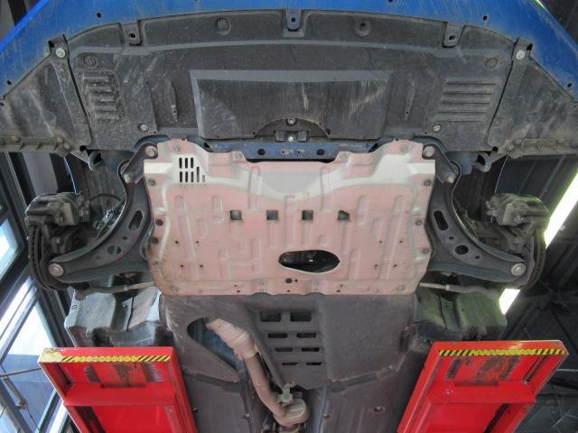 S C型 パナソニックSDナビ フルセグ バックカメラ 純正17インチアルミ パドルシフト スマートキー ETC HID 横滑り防止 オートライト(21枚目)