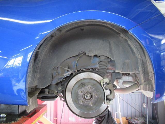 S C型 パナソニックSDナビ フルセグ バックカメラ 純正17インチアルミ パドルシフト スマートキー ETC HID 横滑り防止 オートライト(27枚目)