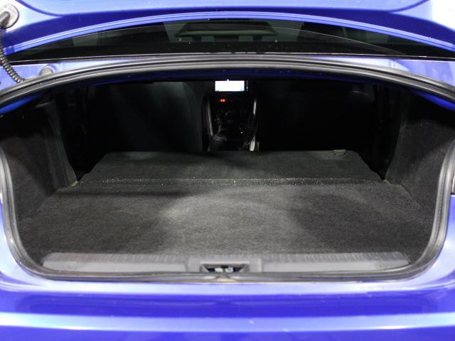 S C型 パナソニックSDナビ フルセグ バックカメラ 純正17インチアルミ パドルシフト スマートキー ETC HID 横滑り防止 オートライト(28枚目)