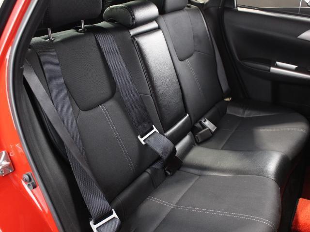 WRX STI Aライン B型 クスコ車高調 FGKマフラー ケンウッドメモリーナビ フルセグ ハイレゾ ETC D席レカロフルバケシート STIフロントリップスポイラー 社外18AW クルコン オートライト スマートキー(16枚目)