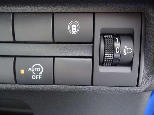 660 X 純正メモリーナビ フルセグTV 衝突被害軽減ブレーキ&踏み間違い防止装置 全周囲カメラ SRSサイド&カーテンエアバッグ レーンアシスト ハイビームアシスト オートエアコン 14インチAW(5枚目)