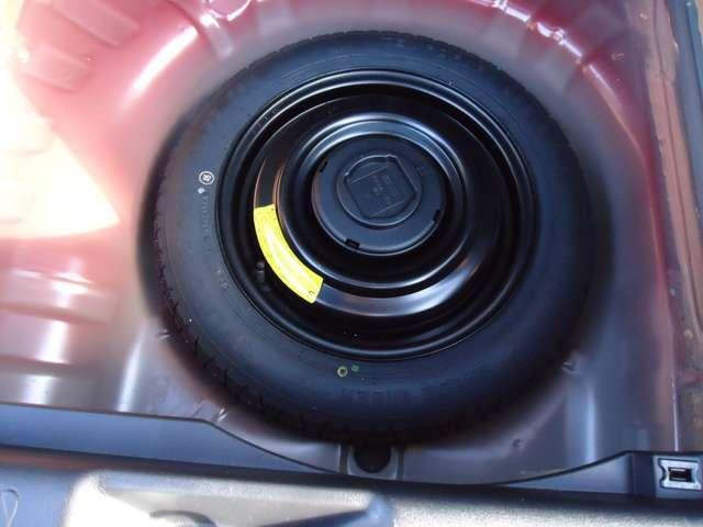 15RX Vセレクション 純正メモリーナビ 衝突被害軽減ブレーキ 全周囲カメラ アイドリングストップ キセノンヘッドライト インテリジェントキー プライバシーガラス オートエアコン 17インチAW(14枚目)