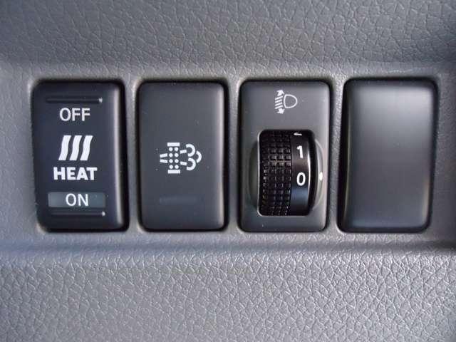2.5ディーゼルターボ DX スーパーロング ワイドボディ ハイルーフ パートタイム4WD 3/6人乗り 社外メモリーナビ(パナソニックCN-B301B)衝突被害軽減ブレーキ バックカメラ リアクーラー キーレスエントリー ETC ワンオーナー パワーリフト(8枚目)