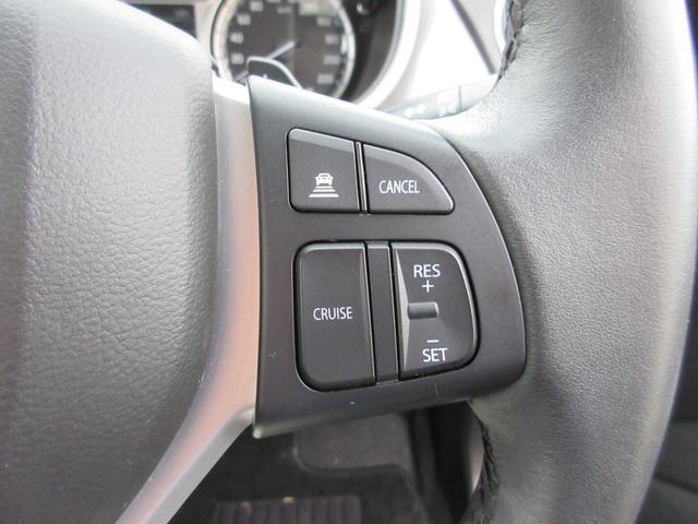 クルーズコントロール装備です。高速道路を走行される際に便利な装備です。