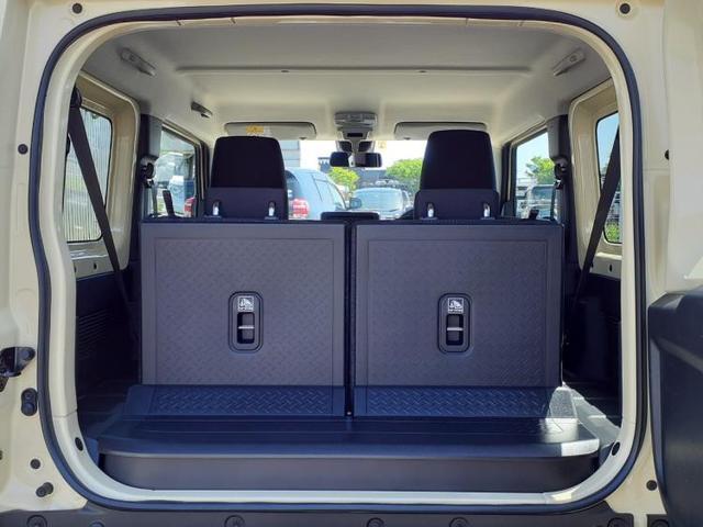 XC セーフティサポート/クルーズコントロール/プッシュスタート/LED/車線逸脱防止支援システム/ヘッドランプ LED/ABS/横滑り防止装置/エアバッグ 運転席/エアバッグ 助手席 LEDヘッドランプ(8枚目)