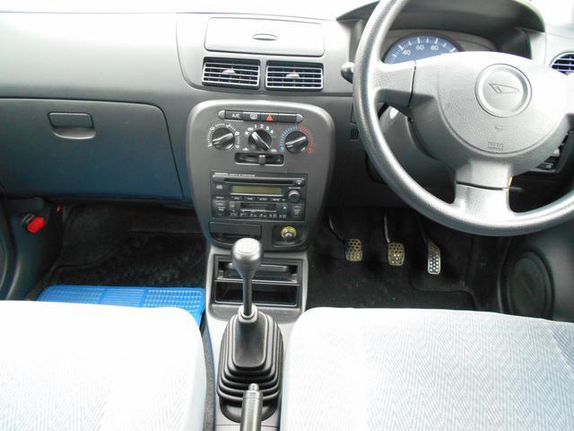 ダイハツ ミラ X 4WDマニュアル車
