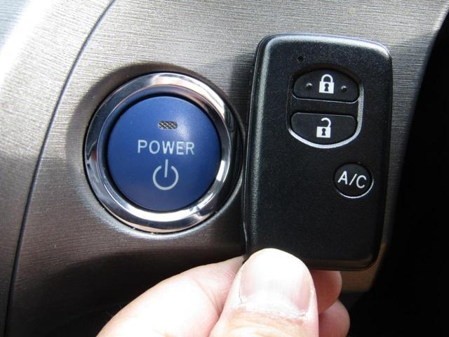 【プッシュスタート付き!今や当たり前の装備ですね♪】ボタン1つでエンジンのスタート&ストップが出来ちゃいます♪最近の車ってすごいですよね!