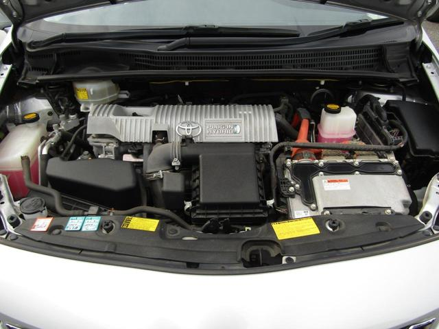 【キレイなエンジンルームが自慢です!】スチームがけでエンジンルームの汚れも綺麗にクリーニング!エンジンルームが綺麗ですと、不具合等の発見もし易く、コンディションのチェックや維持の面でプラスです!