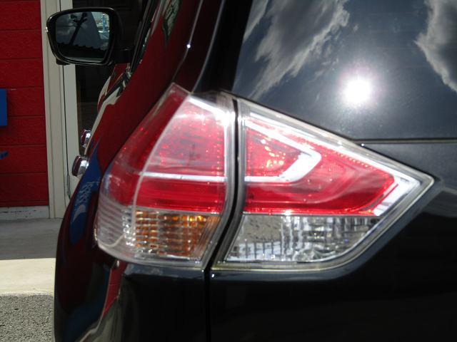 20XブラクエクストリーマXエマージェンシブレーキP SDナビ フルセグ DVD再生 音楽サーバー ブルートゥース オートライト オートクルーズ I-STOP LEDヘッドライト フォグ アラウンドビュー シートヒーター 社外17インチAW 1オーナー(29枚目)