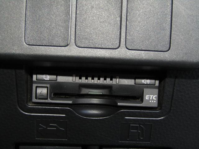 G-T 純正SDナビNSZT-Y68T フルセグ DVD再生 音楽サーバー ブルートゥース オートクルーズ I-STOP ETC LEDヘッド フォグ Bカメラ Sヒーター 純正15AW 両側電動 1オナ(10枚目)