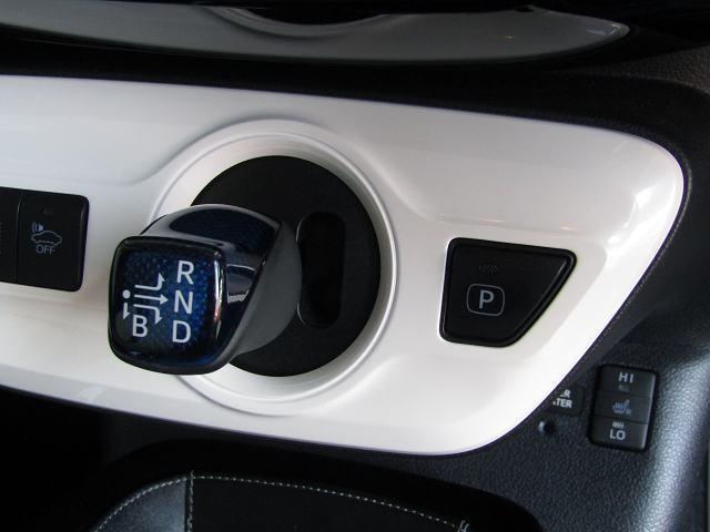 Sツーリングセレクション 純正SDナビNSZT-W66T フルセグ DVD再生 音楽サーバー ブルートゥース LEDヘッド フォグ バックカメラ 白黒合皮シート Sヒーター 社外17インチAW モデリスタエアロ(64枚目)