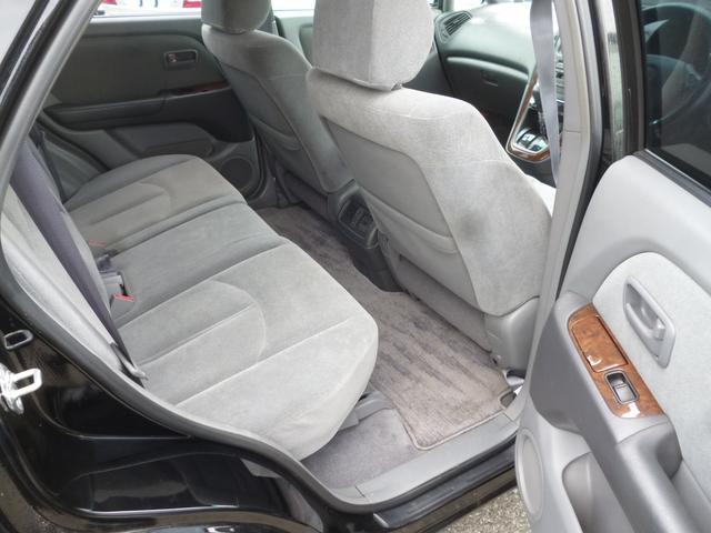トヨタ ハリアー 3.0 Sパッケージ