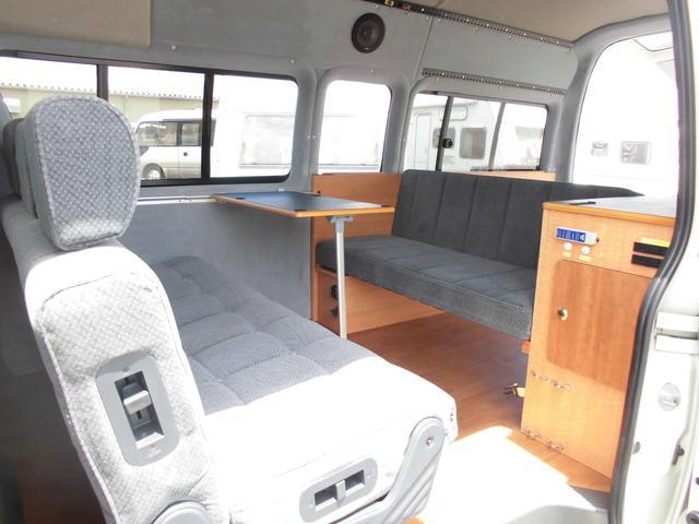 トヨタ ハイエースバン トイファクトリー トイズボックス4WD