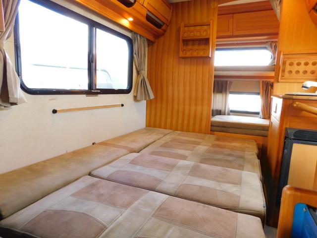ダイネット部分ベッド展開時サイズ 長さ190cm幅126cm