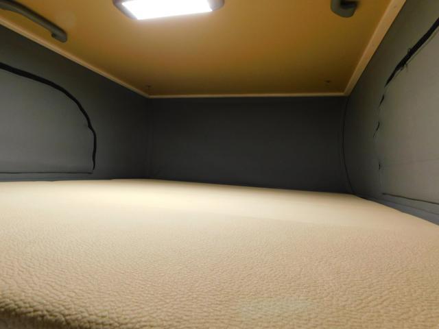 エレべーティングポップアップルーフ ベッドサイズ 長さ180cm幅115cm
