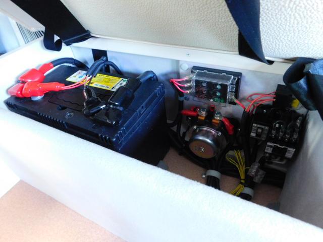 サブバッテリー 走行充電 外部電源 外部充電 1500W正弦波インバーター AC切り替えリレー
