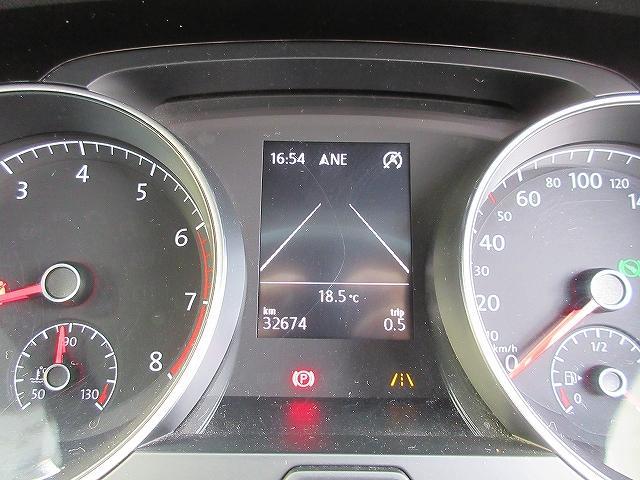 マルチファクションインジゲーター設置・・・瞬間/平均燃費、走行距離、平均速度、運転時間、外気温度などを表示♪運転が楽しくなる機能のひとつです♪