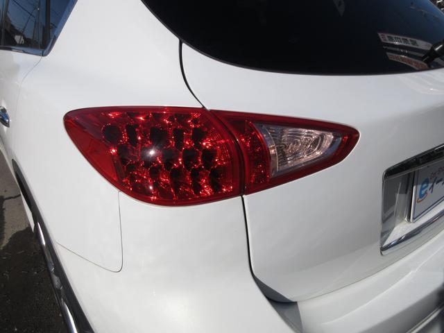 軽自動車〜レクサス・ベンツ・BMWなど高級外車も取り扱っています。納車前にディーラー点検を実施することも可能なのでご相談ください。
