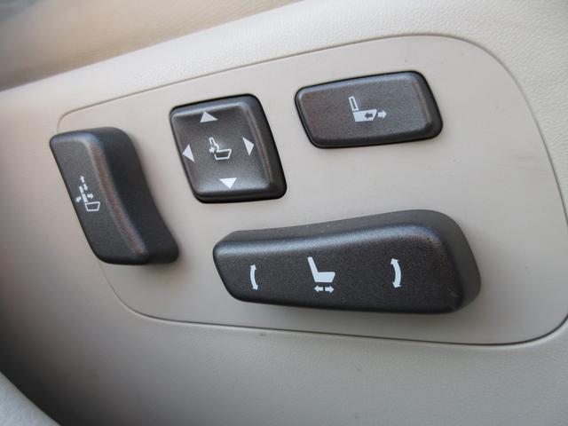 革巻きステアリングからウッドコンビハンドルに変更することもできます!!点検整備からカスタムなどお車のことならなんでもお任せください!