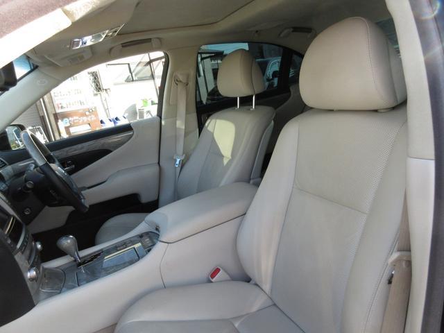 良質でお値打ちなお車をご用意しております!!軽自動車からミニバンまであらゆる車種をご用意しておりますので、まずはお気軽にお問合せを!!