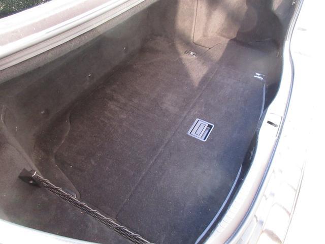 タイヤの空気圧は燃費などにも影響してきます!セルフのガソリンスタンドでタイヤの空気圧を計りたいけどやり方のわからない時は、イープライスで無料で計らせていただきます!