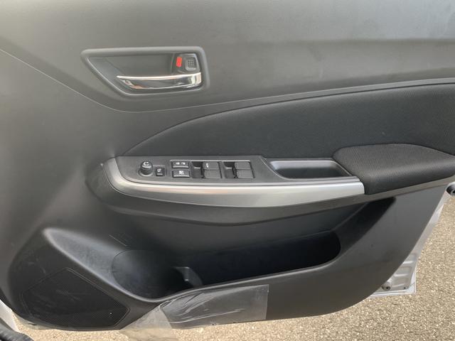 XG オーディオレス 盗難警報装着車 オートエアコン(15枚目)