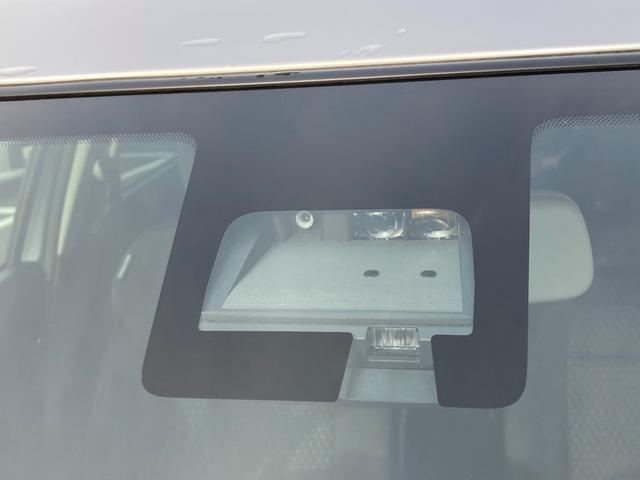 衝突被害軽減ブレーキ装備!車や壁だけでなく人や電柱など細かいものにも反応します!また、誤発進抑制機能もついているので安心して乗れますね☆
