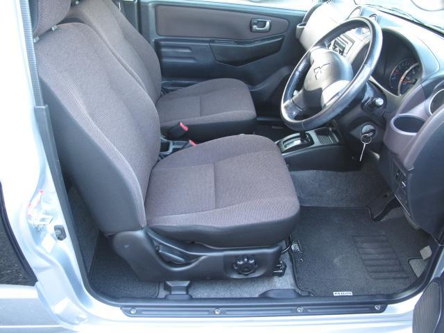 エクシード 4WDターボ ETC ディーラー整備車 タイヤ4本新品交換マフラー新品交換渡し(12枚目)