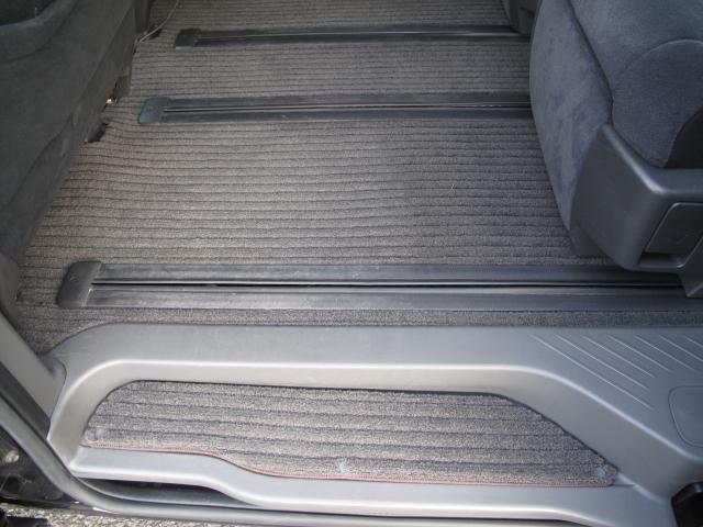 アエラス 両側リモコンパワースライドドア 7人乗りキャプテンシートオットマン HDDナビ テレビ バックモニター スマートキー ビルトインETC オートクルーズ(19枚目)