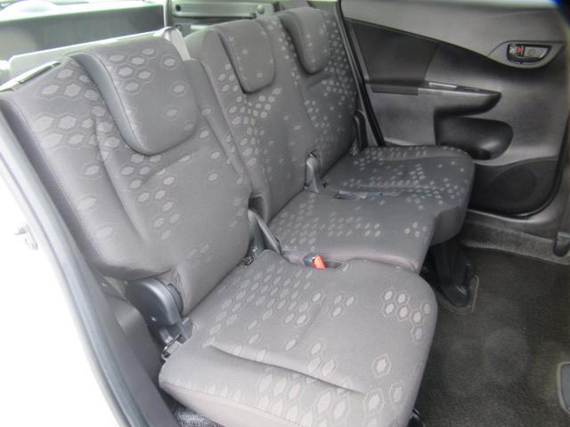 トヨタ ラクティス ウェルキャブ X 車いす仕様車タイプ1 助手席側リヤシート付