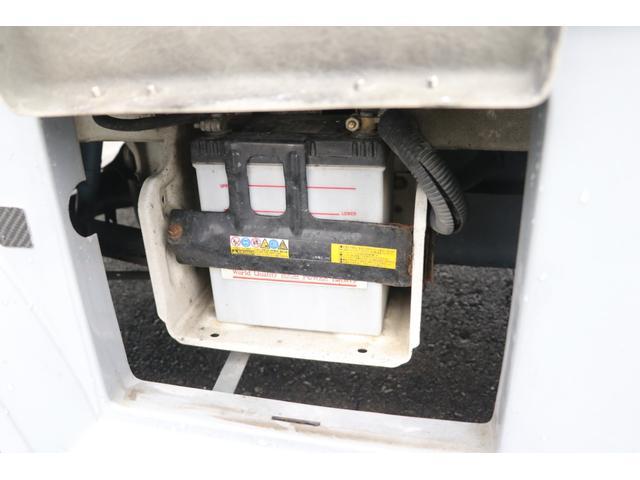 ワゴリー K380 4WD CDデッキ ミラー型バックカメラ 5速MT メインスイッチ BTメーター 各種スイッチ ツインサブ 500Wインバーター 12V/100V 照明 遮光カーテン 網戸 外部充電 走行充電 バックカメラ(38枚目)