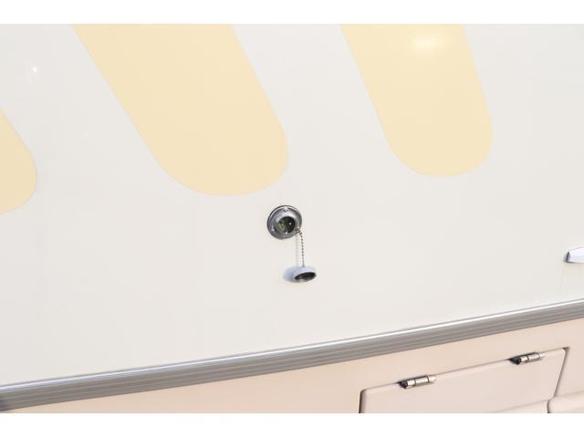 ナッツRV製 マッシュX 禁煙車 乗車6名就寝5名 ナビTV ETC バックカメラ 2サブ メインスイッチ 電圧計 12V/100V 燃料式FFヒーター 走行時リアクーラー シンク 冷蔵庫 外部電源 走行充電(27枚目)