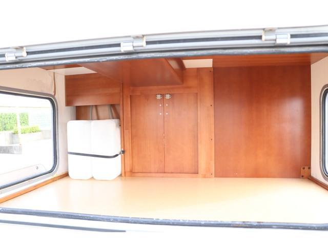 ナッツRV製 マッシュX 禁煙車 乗車6名就寝5名 ナビTV ETC バックカメラ 2サブ メインスイッチ 電圧計 12V/100V 燃料式FFヒーター 走行時リアクーラー シンク 冷蔵庫 外部電源 走行充電(31枚目)