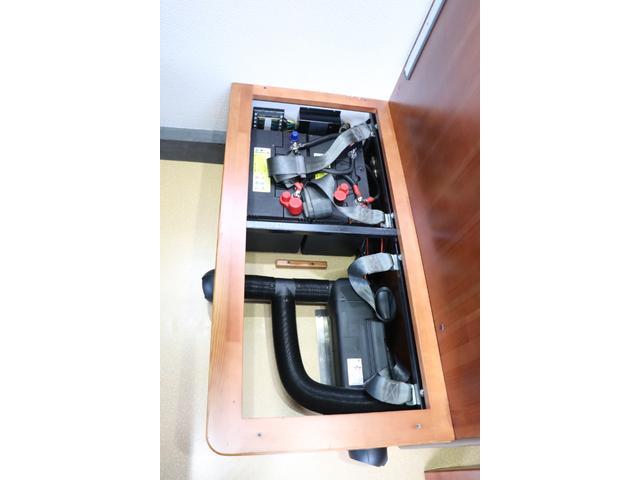 ナッツRV製 マッシュX 禁煙車 乗車6名就寝5名 ナビTV ETC バックカメラ 2サブ メインスイッチ 電圧計 12V/100V 燃料式FFヒーター 走行時リアクーラー シンク 冷蔵庫 外部電源 走行充電(72枚目)