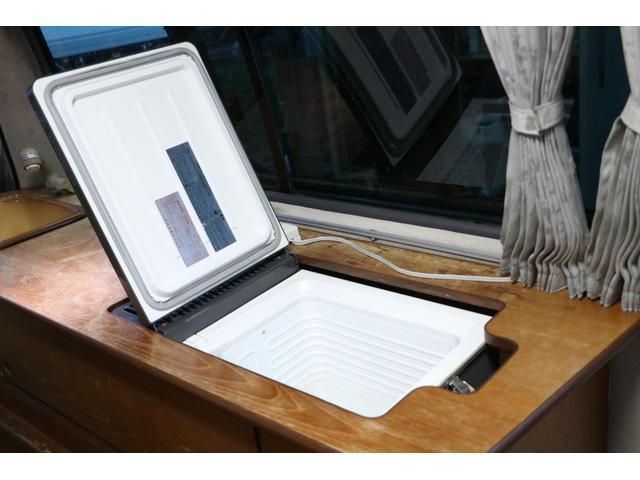 ビークル製 クッチェッタ キーレス ETC CD USB入力 サブバッテリー サブバッテリー 走行充電 外部充電 走行時リアクーラー&ヒーター シンク 冷蔵庫 遮光カーテン 照明(66枚目)