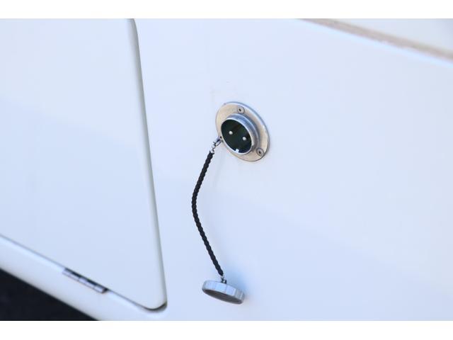 かーいんてりあ高橋製 ネオユーロ 4WD 1オーナー 常時バックカメラ ETC サブBT 電圧計 350Wインバータ― 後席TV MAXFAN シンク  外部電源 走行充電 LED照明 網戸(29枚目)