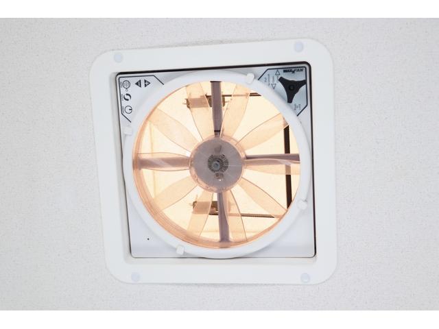 かーいんてりあ高橋製 ネオユーロ 4WD 1オーナー 常時バックカメラ ETC サブBT 電圧計 350Wインバータ― 後席TV MAXFAN シンク  外部電源 走行充電 LED照明 網戸(67枚目)