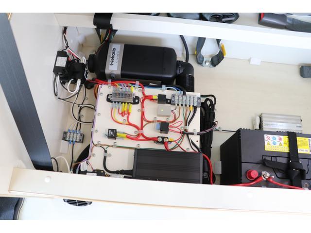 かーいんてりあ高橋製 ネオユーロ 4WD 1オーナー 常時バックカメラ ETC サブBT 電圧計 350Wインバータ― 後席TV MAXFAN シンク  外部電源 走行充電 LED照明 網戸(73枚目)