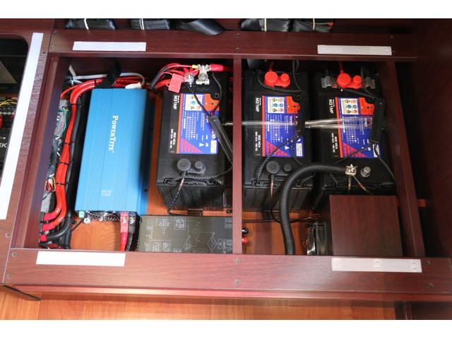 ナッツRV製 クレソンボヤージュ タイプW エボライト 禁煙 ナビ 常時Bカメラ ドラレコ 3サブ VOTRONIC 1500Wインバーター 後席TV 家庭用エアコン FF MAXFAN シンク冷蔵庫 電子レンジ ガゼルアンテナ リアラダー 15AW アジリス(73枚目)
