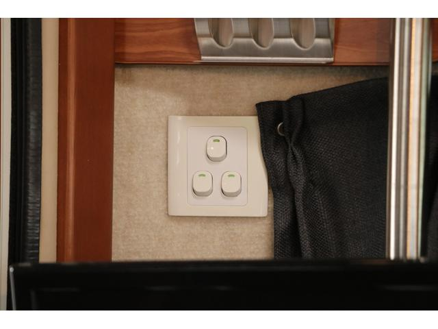 ファンルーチェ製 セレンゲティ 禁煙車 寒冷地 4型フェイス ナビTV ETC Bカメラ 2サブ 電圧計 後席TV FFヒーター 走行時リアクーラー&ヒーター ルーフベント シンク ガスコンロ 冷蔵庫 サイドオーニング LEDヘッド LEDフォグ ガゼルアンテナ(80枚目)