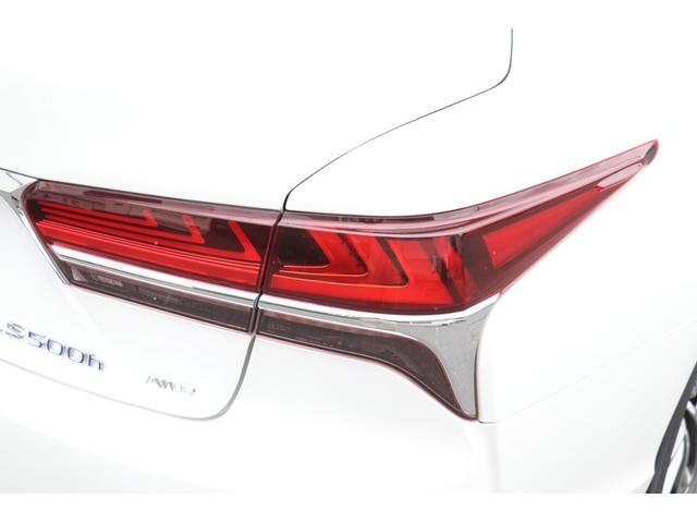LS500h エグゼクティブ 禁煙車 マークレビンソン リアエンターテイメント パノラミックビュー 専用白革 サンルーフ PCS LTA BSM PKSA RCTA RCD HUD デジタルミラー パワートランク 3眼LED AHS(34枚目)