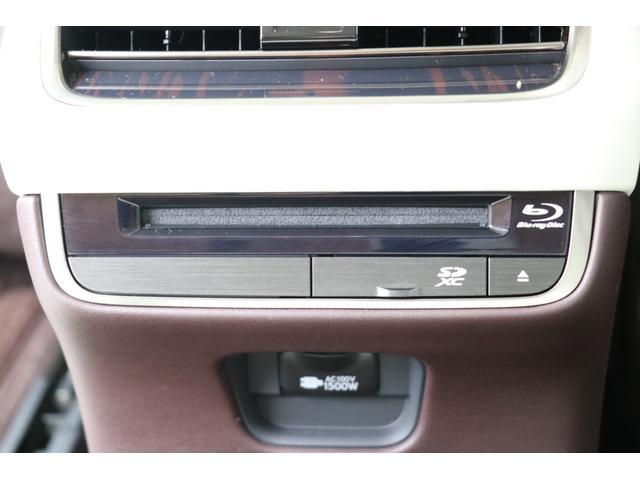 LS500h エグゼクティブ 禁煙車 マークレビンソン リアエンターテイメント パノラミックビュー 専用白革 サンルーフ PCS LTA BSM PKSA RCTA RCD HUD デジタルミラー パワートランク 3眼LED AHS(50枚目)