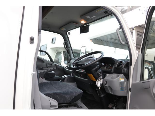 ナッツRV製 クレソンボヤージュW 1オーナー禁煙車 ナビTV ETC Bカメラ サブBT VOTRONIC 12V/100V 燃料式FFヒーター 走行時リアクーラー MAXFAN シンク 冷蔵庫 リアラダー カセットトイレ 外部充電 走行充電(42枚目)